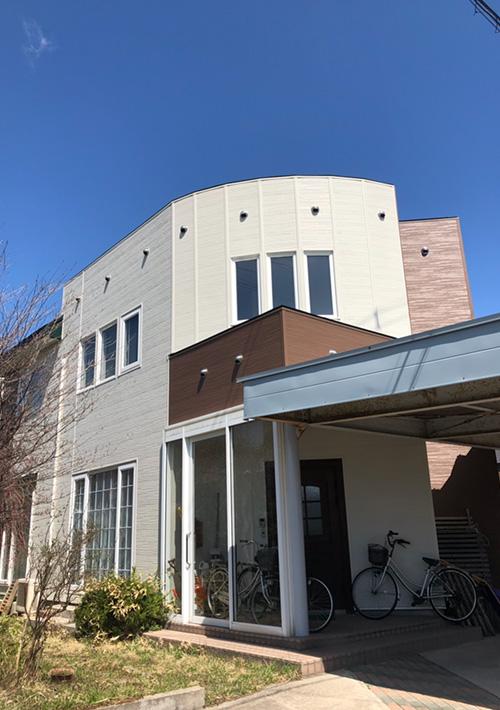 金属サイディング重ね張り 屋根塗装 施工後1