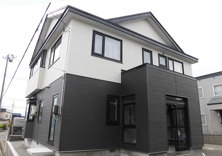 青森市 金属サイディング重ね張り・屋根塗装工事 施工事例3