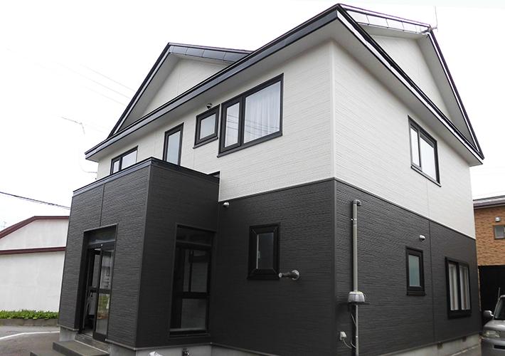 青森市 金属サイディング重ね張り・屋根塗装工事 施工事例2